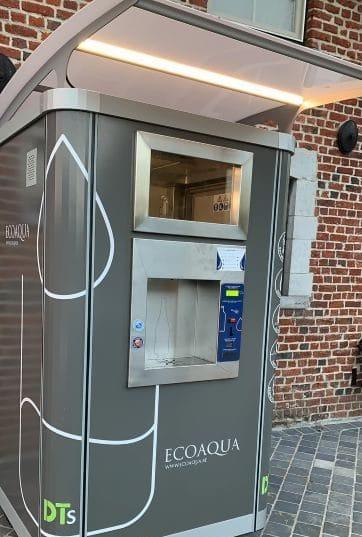 ecoisola distributeur d'eau microfiltree fraiche et petillante exterieur
